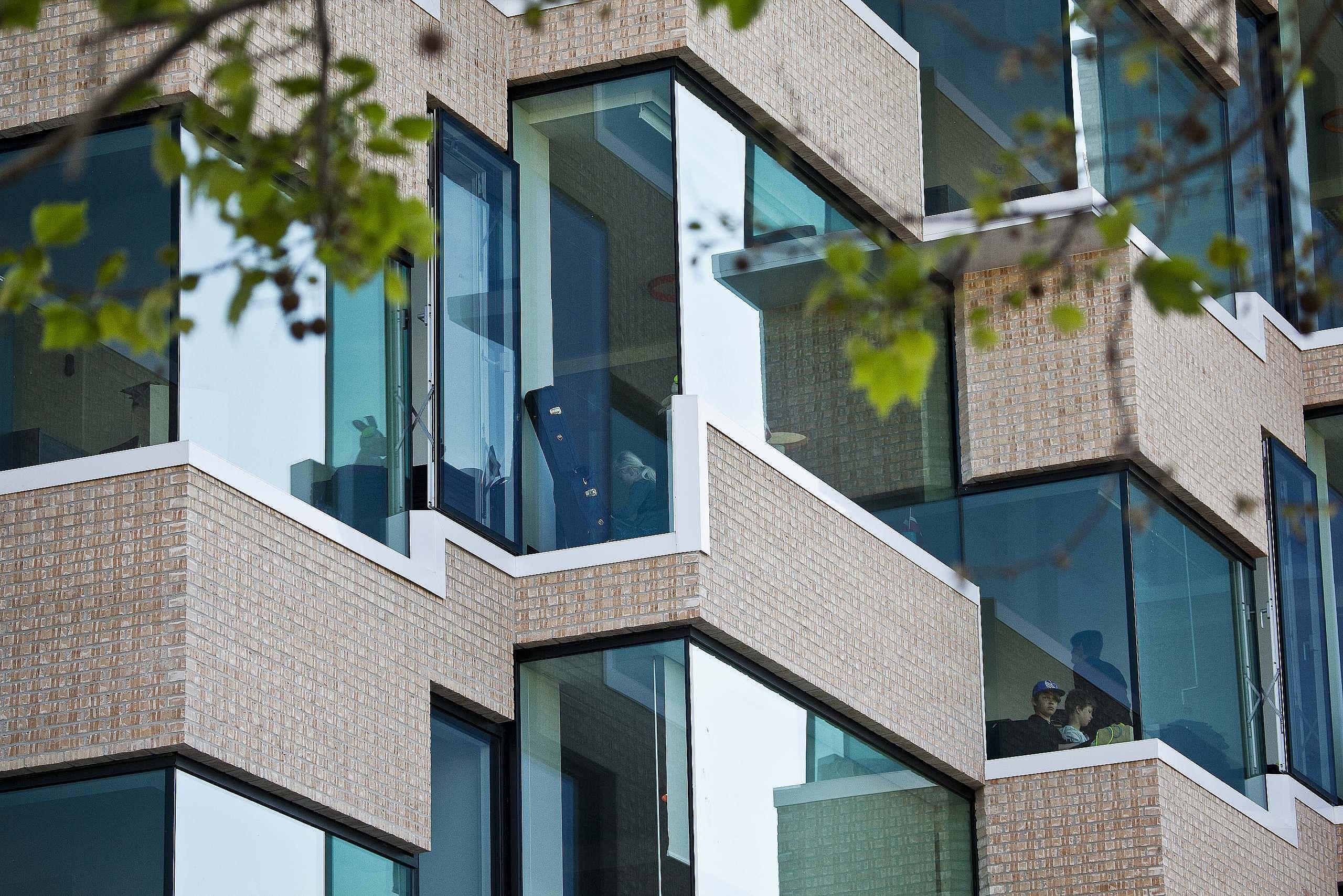 Ørestad skole tæt på facaden