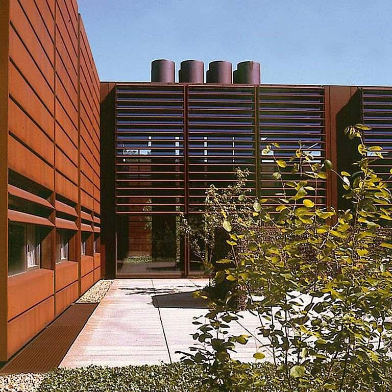 Syddansk Universitet Corten facade